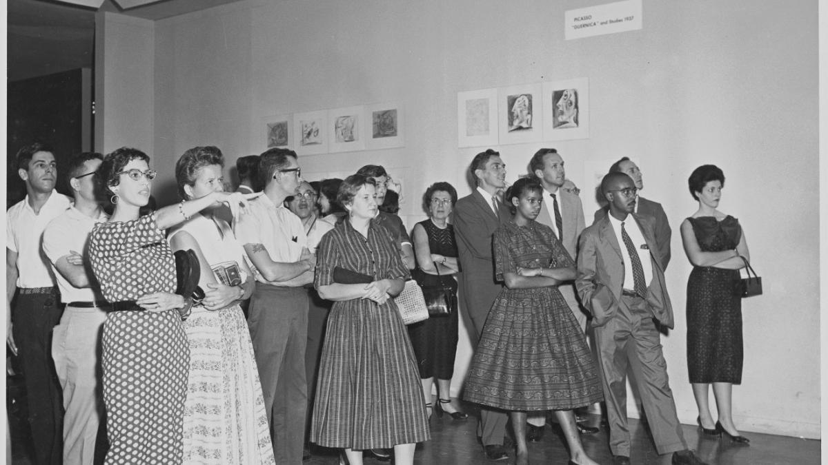 Visitantes de la exposición Picasso: 75th Anniversary