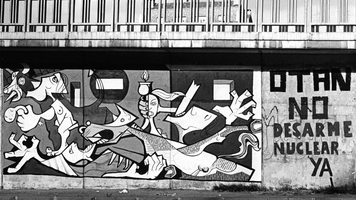 Graffiti against Spain joining NATO