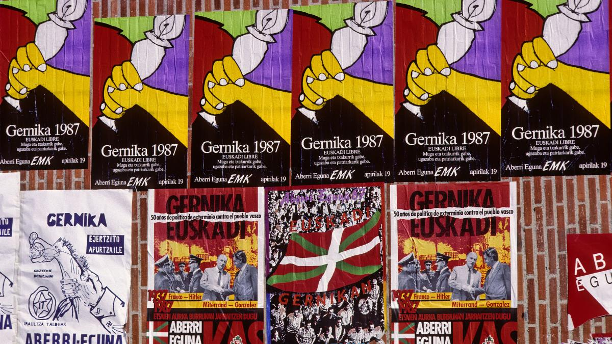 Mural to commemorate the 50th anniversary of the Gernika bombing