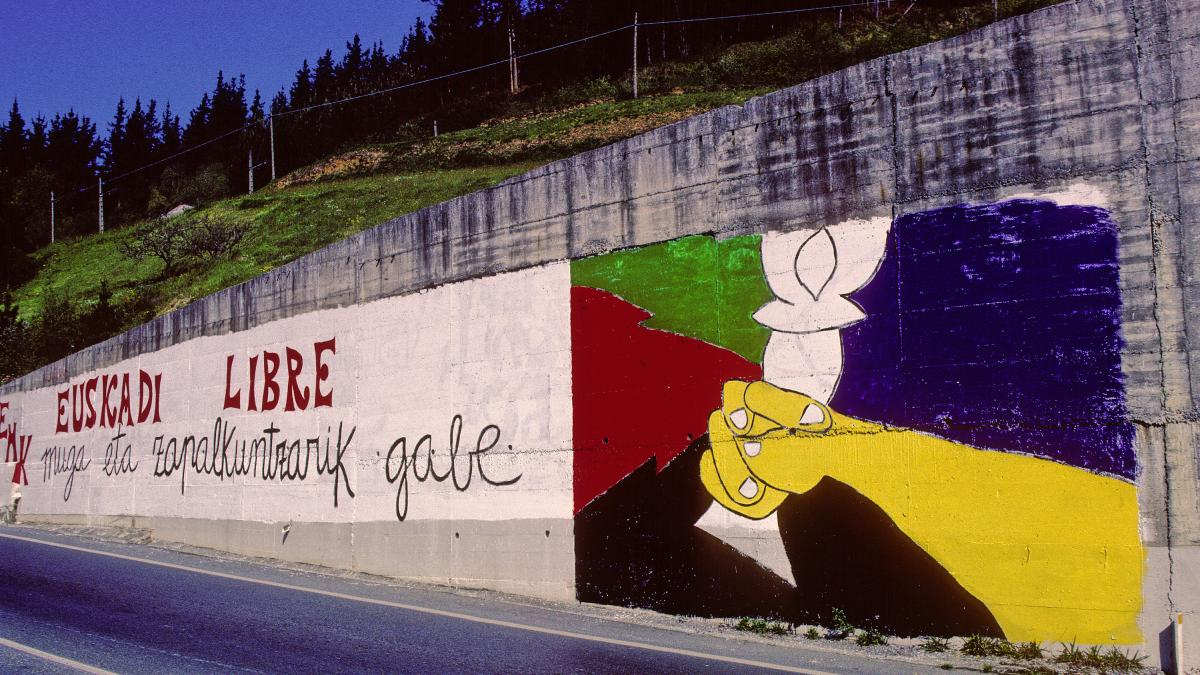 "Graffiti in Biscay with the message Euskadi libre (""Free the Basque Country"")"