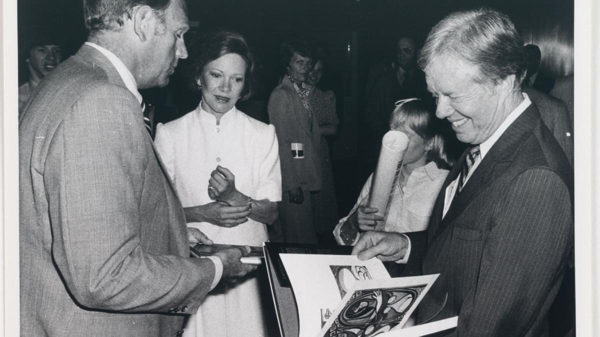 Jimmy Carter en la exposición «Pablo Picasso: A Retrospective» del Museum of Modern Art de Nueva York