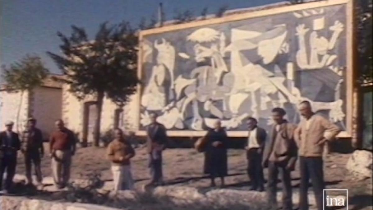 Guernica in the Casón del Buen Retiro
