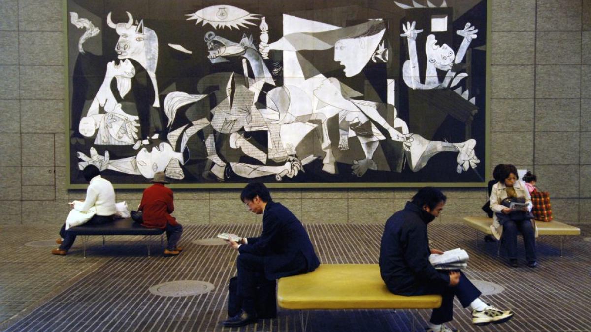 A Guernica replica at the Marunouchi Oazo shopping mall, Tokyo