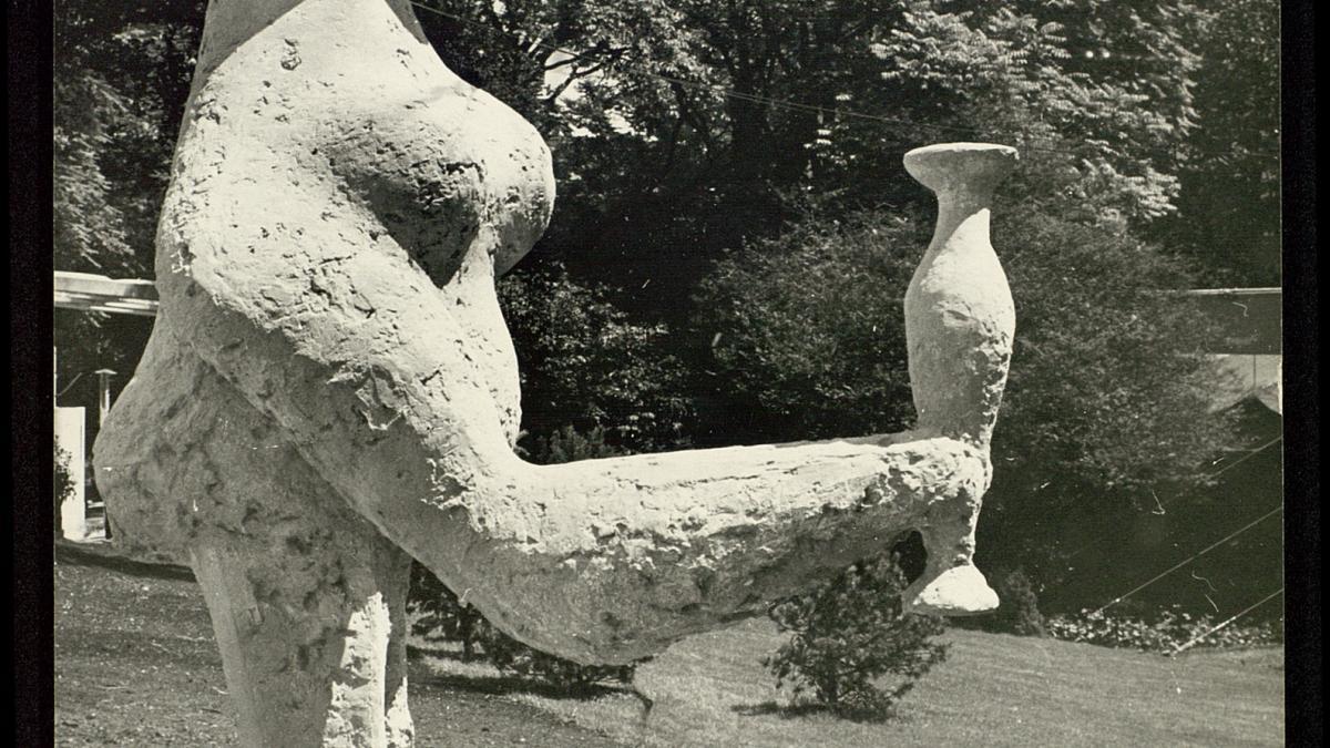 Dama oferente de Pablo Picasso instalada