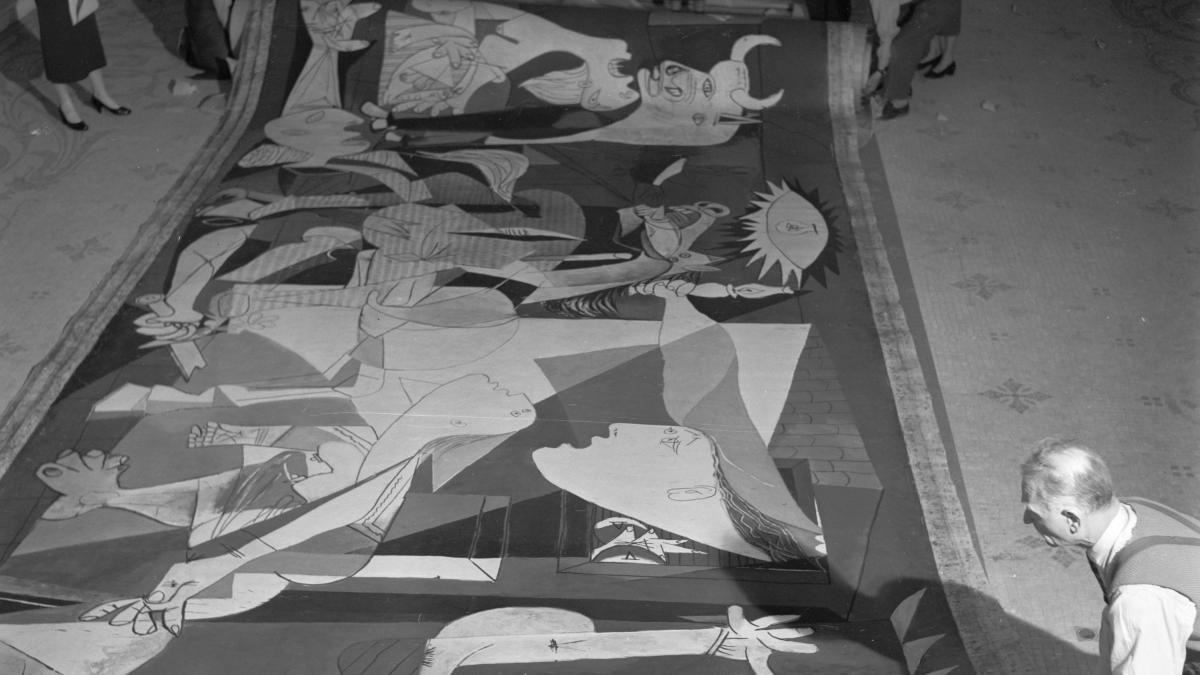 Guernica at the Musée des Arts Décoratifs