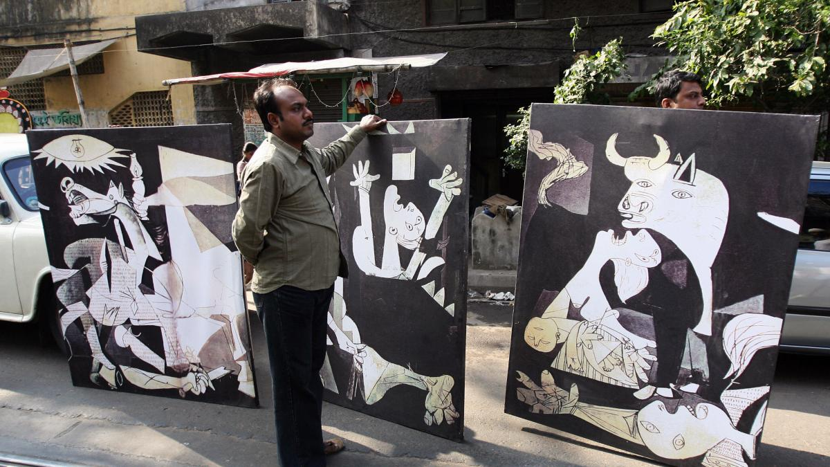 Banners with fragments of Guernica in a demonstration against violence in Nandigram