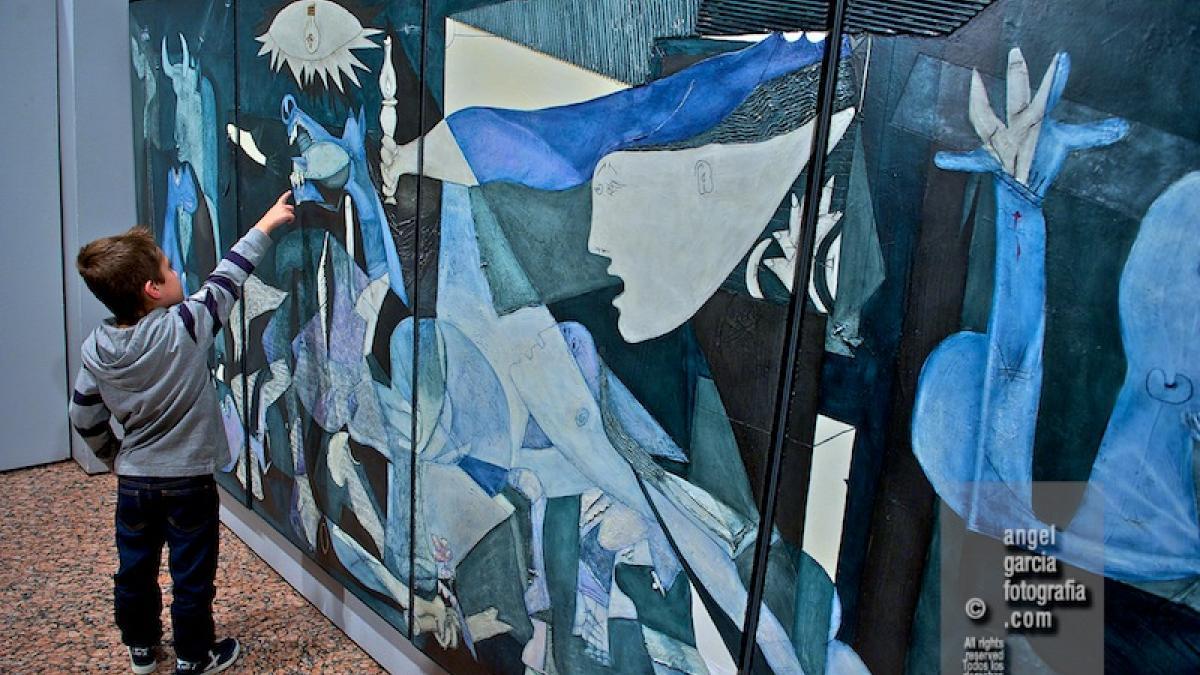 Exposición Guernica espitirual, de Félix Orgaz Botejara, en el Centro de Desarrollo Sociocultural de la Fundación Germán Sánchez Ruipérez